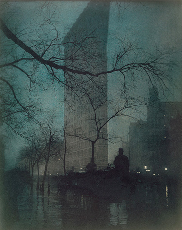 http://buy-books.ru/img_cache/img002/steichen-the-flatiron-evening-1906-three-colour-half-tone-photogravure.jpg