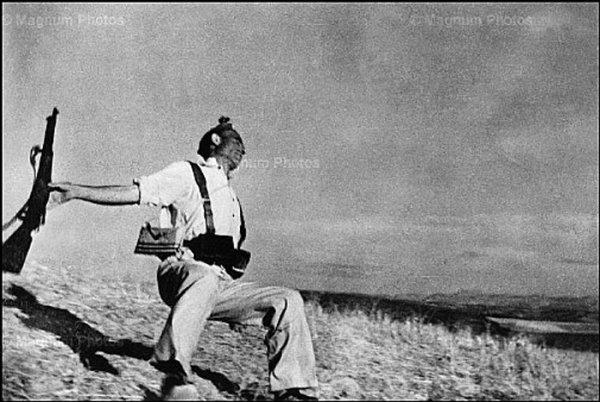 Роберт Капа «Смерть республиканца» Кордоба. 5 сентября 1936