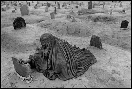 Афганистан, 1996 - Траур брат убит ракетой талибов.