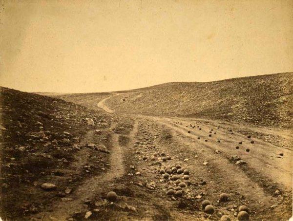 Роджер Фентон - Долина смерти. Крымская война. 1855г.
