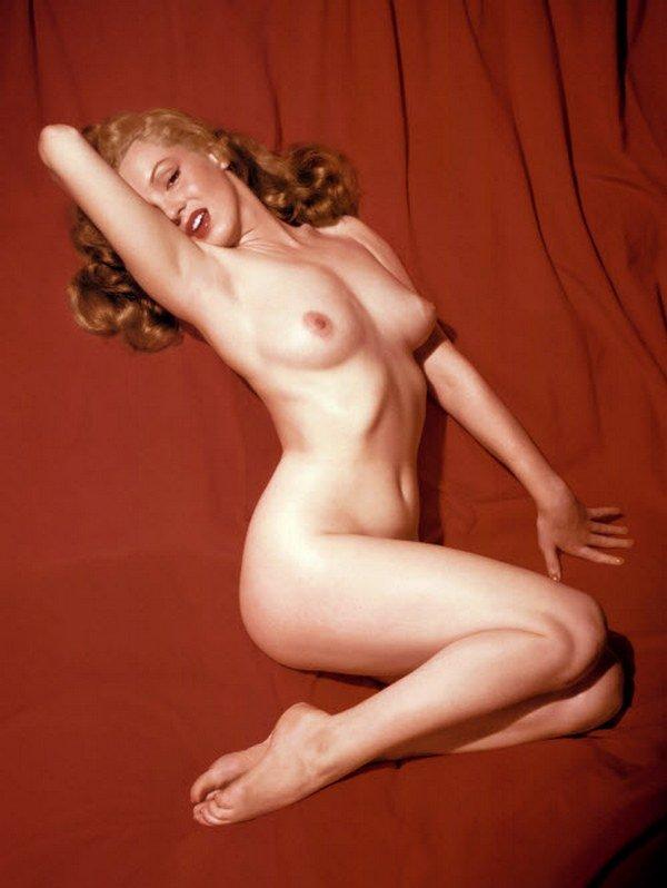 порно фото голая монро